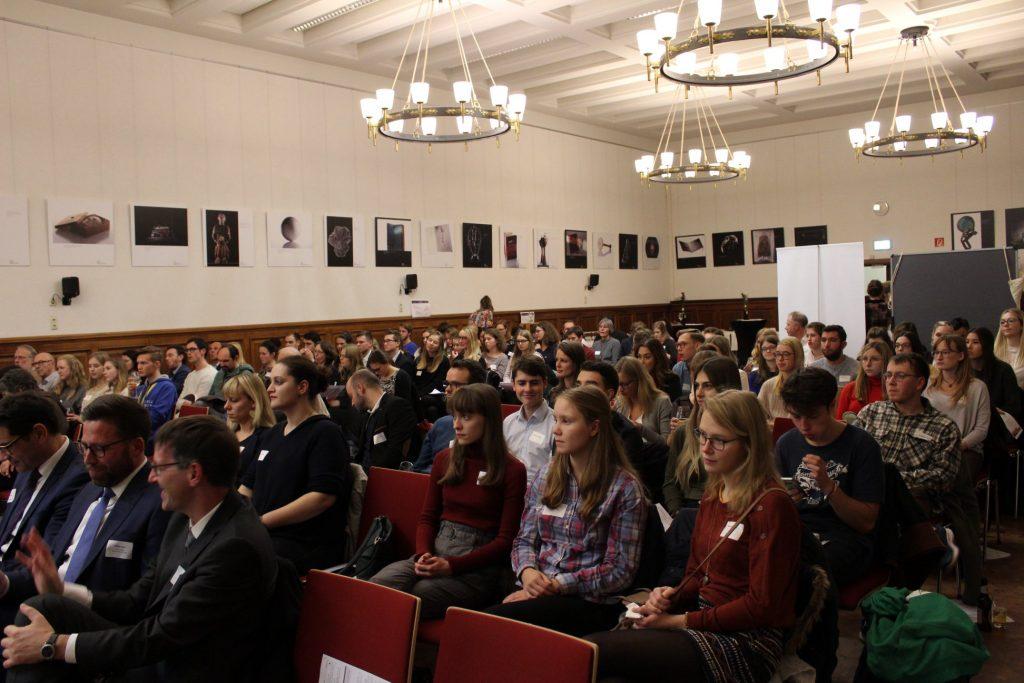 Foto-Public-Mayence-Fotos-Welc0m3-Recht-und-Wirtschaft-JGU